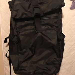 Lululemon Not Lost Backpack 27 L Camo